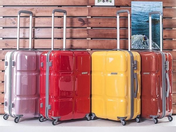 Chọn vali có thiết kế trẻ trung, màu sắc bắt mắt
